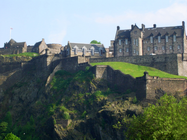 Travel Column:  Up and Away, Down to Earth—Edinburgh, Scotland