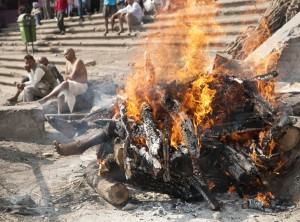 Burning ritual in Varanasi - India. Photo courtesy of Paul Cohn, www.paulcohnimages.com